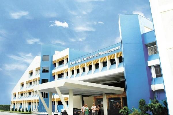 Học bổng 50% - 60% học phí của học viện EASB Institute