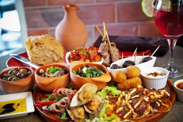 Tapas - món khai vị đặc trưng trong ẩm thực của người Tây Ban Nha