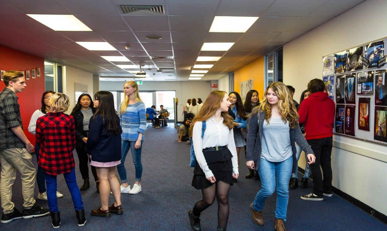 Học bổng đến 50% học phí tại trung học Eynesbury